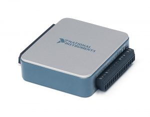 Dispositivo USB de E/S multifuncionais, 13 E/S digitais, 2 saídas analógicas (5 kS/s/canal), 8 entradas analógicas (14 bits, 20 kS/s)
